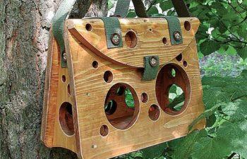 декоративная кормушка для птиц из дерева
