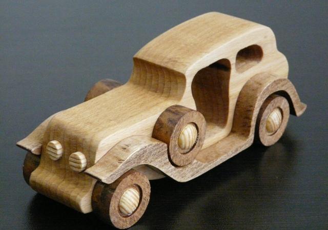 Деревянная ретро машинка №3