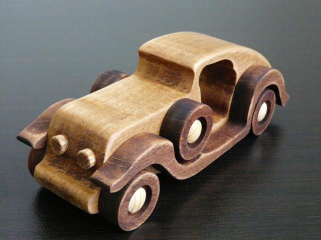 Деревянная ретро машинка №1