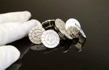 Изготовление значков из серебра