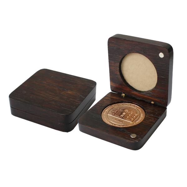 деревянная коробка для медали из бука