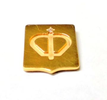 Значки из золота с логотипом Финансовый Уполномоченный
